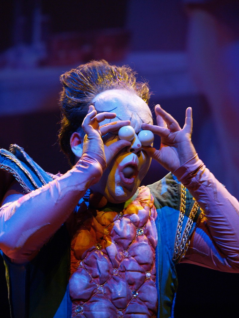 Circus act Boul entertainment