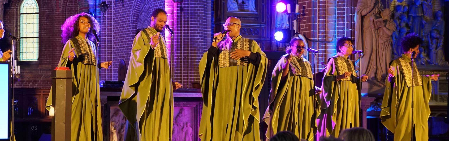 gospelkoor amazing vocals in kerk
