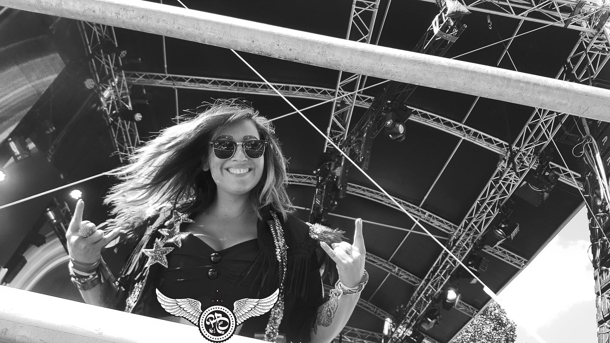DJ Miss Brown GigWorld op podium