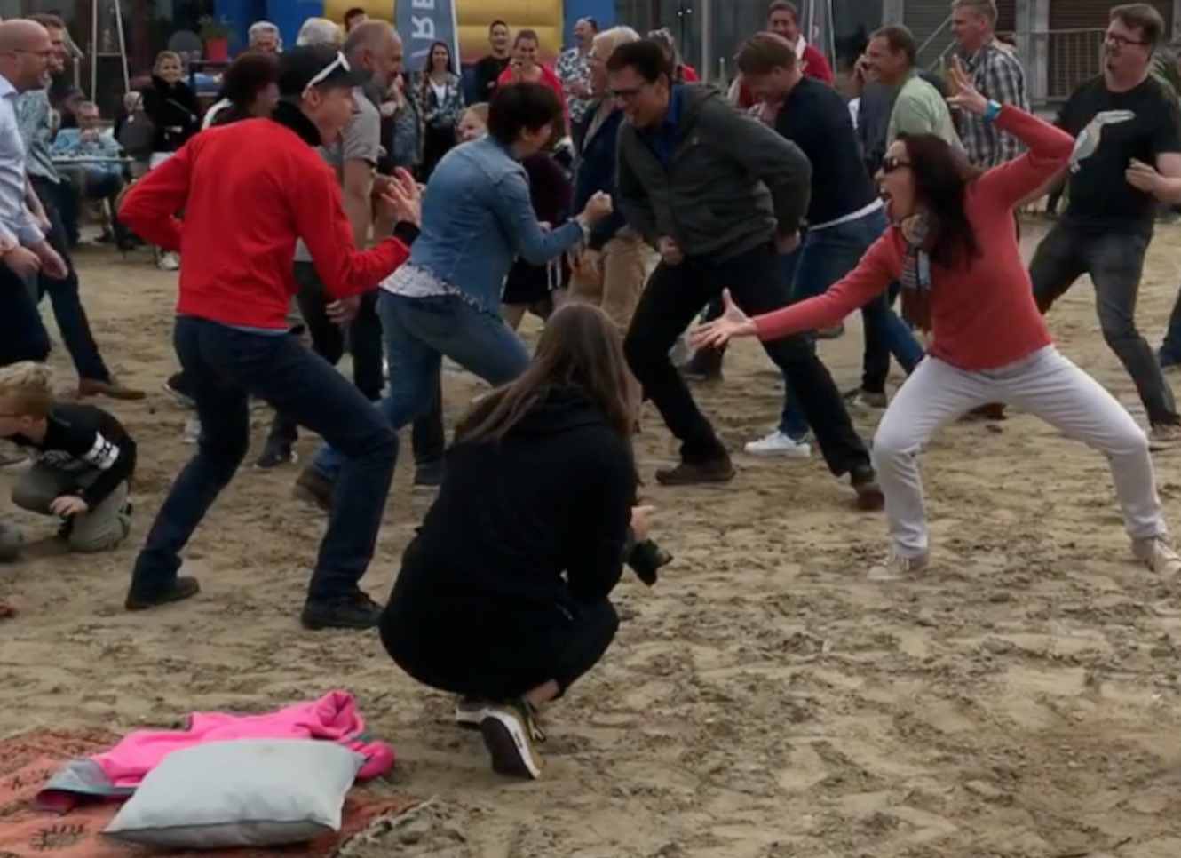 Haka workshop op strand