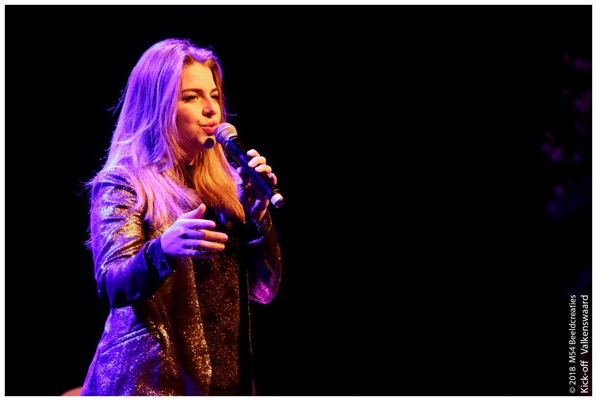 zangeres Meike van der Veer