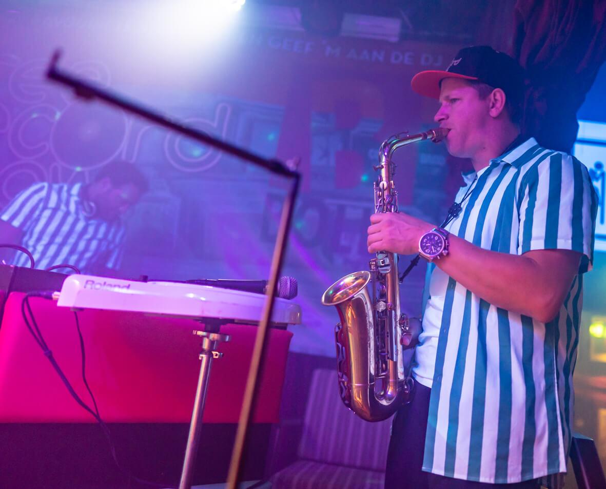 DJ , saxofonist Sebas in Free Record Show