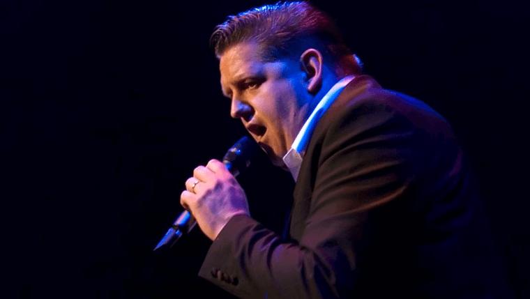 Mark Elbers zingt Elvis