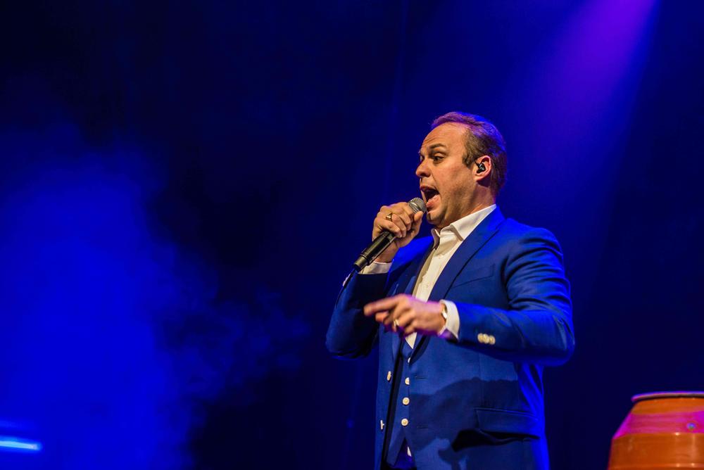 Frans Bauer zingend