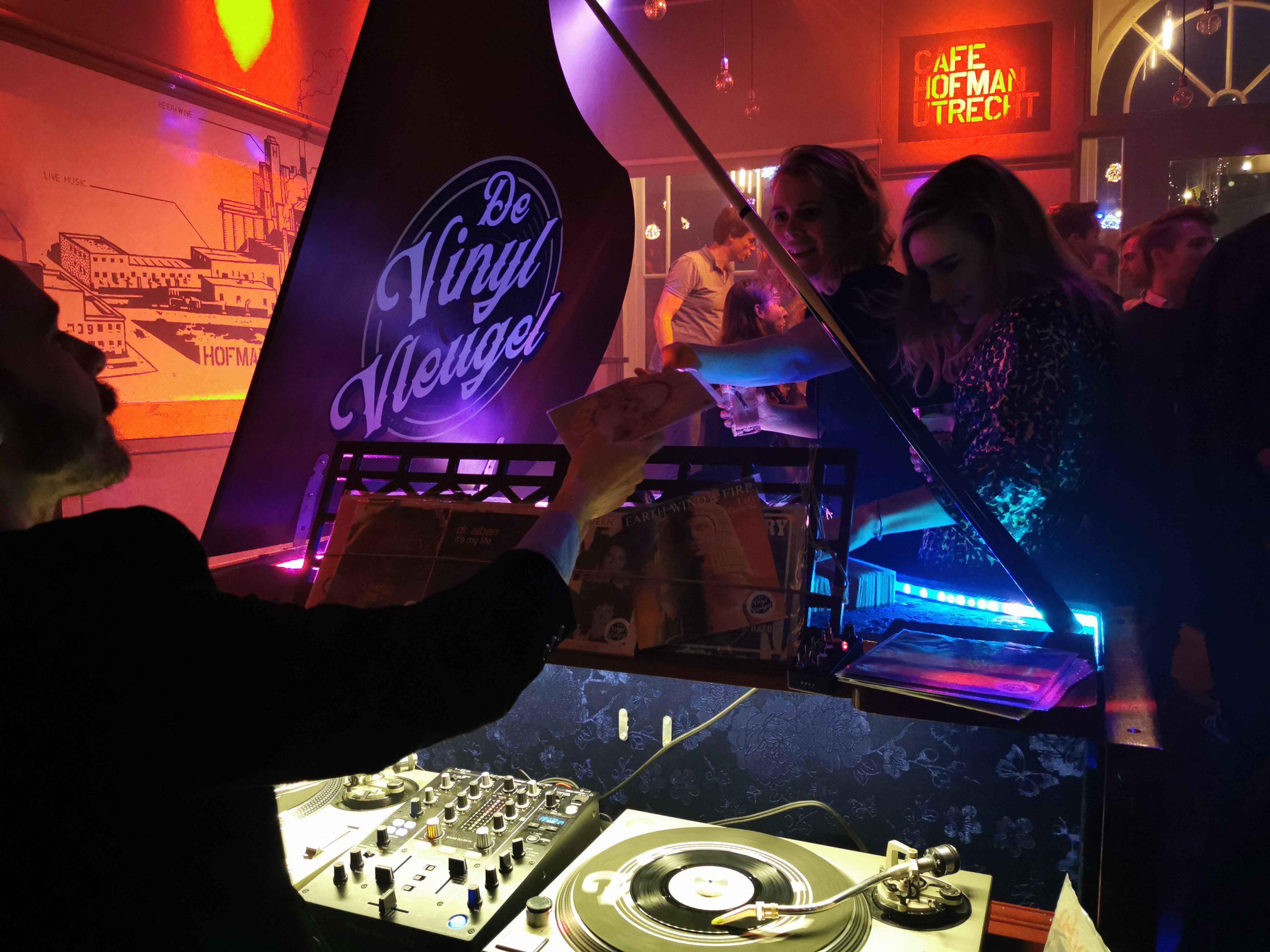De Vinyl Vleugel donker