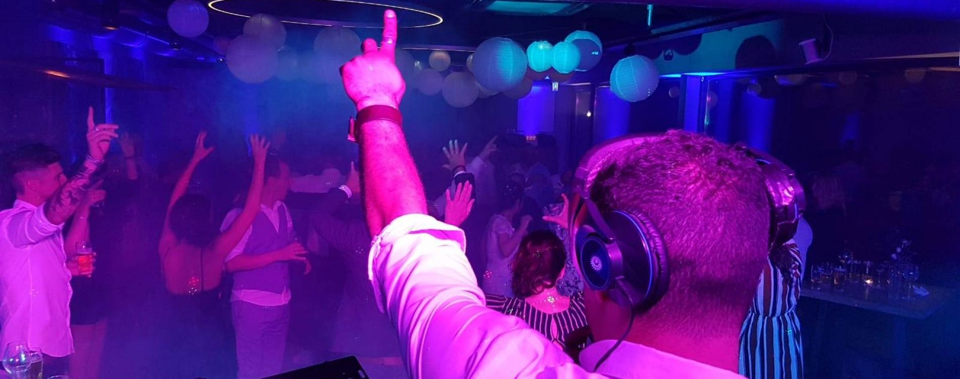 DJ TiMM UNiTED Feest